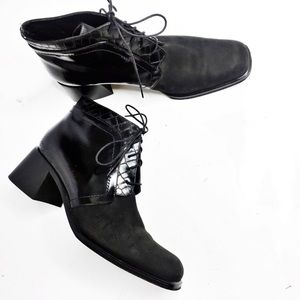 Vía Spiga Black Chunky Heel Lace Up Ankle Boots